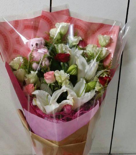 小熊鲜花花束